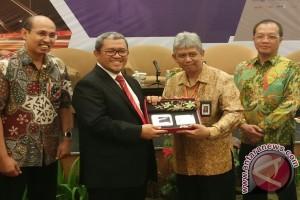 Gubernur Jabar Ingatkan Pengusaha Beradaptasi dengan Teknologi