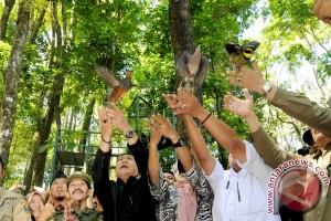 Sebanyak 550 Burung Dilepasliarkan di Tahura Dago