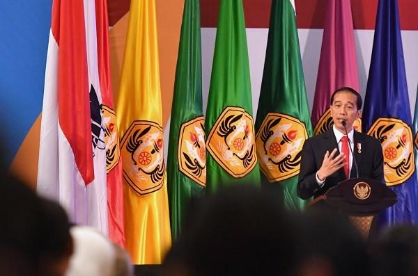Di Unpad Jokowi Bicara Raisa yang Diambil Asing