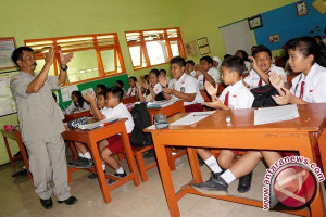 1.192 Guru Honorer di Cirebon Minta Sk Wali Kota