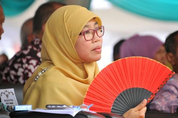 Kipas Merah dan Kerudung Kuning,  Harapan Netty di Hari Pangan Sedunia