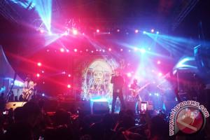 Padi Reborn Tampil Memukau di Authenticity Fest 2017 Bandung