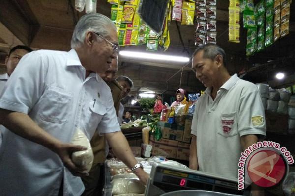 Menteri Perdagangan mencanangkan sembilan daerah tertib ukuran