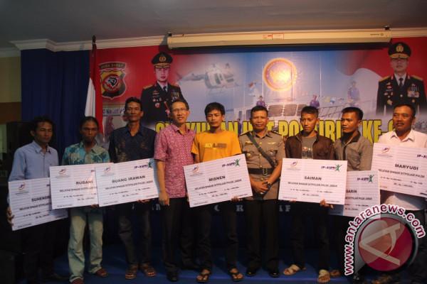 3.000 Nelayan Cirebon Dapat Asuransi Gratis