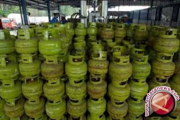 Persediaan gas 3 kg di Bandung aman