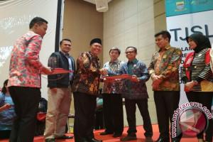 Pemkot Bandung Beri Penghargaan Kepada 47 Perusahaan
