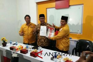Hanura serahkan surat dukungan kepada Ridwan Kamil