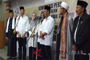 Didampingi kiai Tb Hasanuddin-Anton Charliyan daftar ke KPU