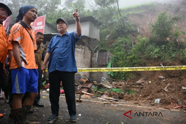 Wagub jabar tinjau longsor di Bogor