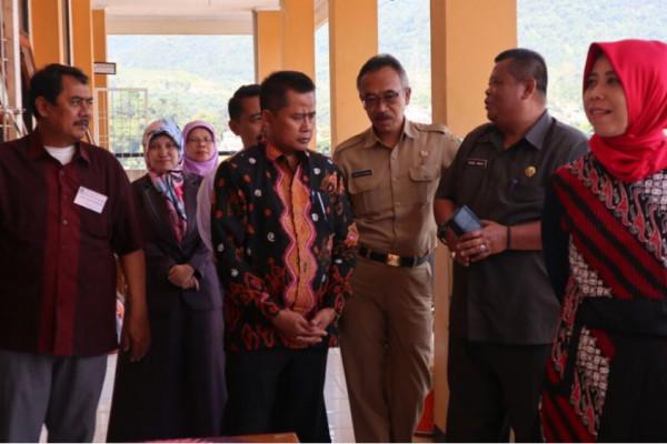 Ketua DPRD Jabar tinjau pelaksanaan UNBK di Sumedang