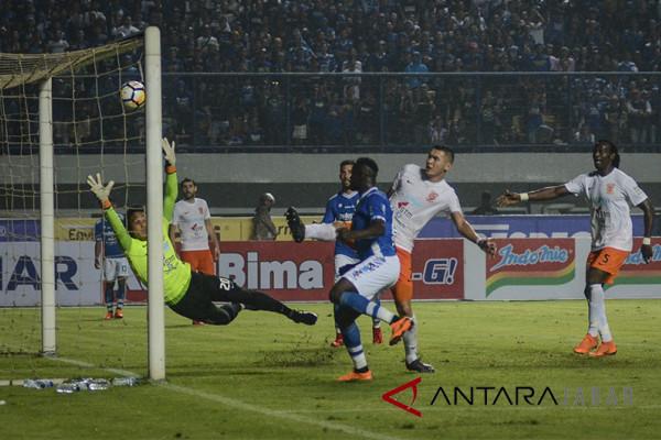 Persib taklukan Borneo 3-1