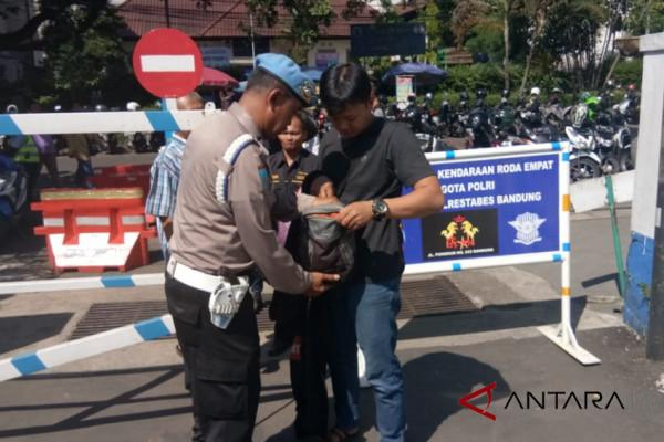 Polres Cianjur memperketat pengamanan pintu masuk