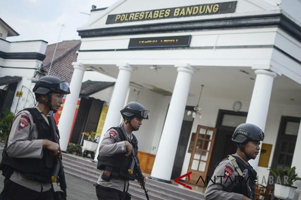 "Polrestabes Bandung ""diserbu"" pemohon SKCK untuk CPNS"