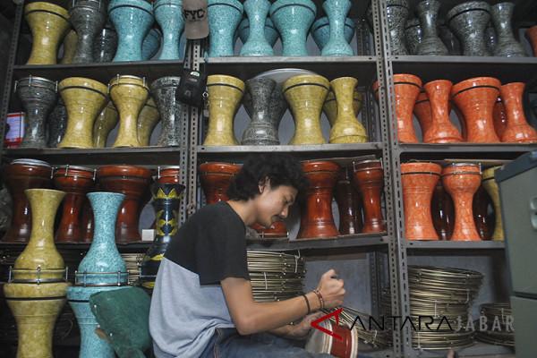 Produksi alat musik Islami