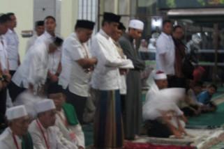 Presiden shalat tarawih di Masjid Agung Cilimus