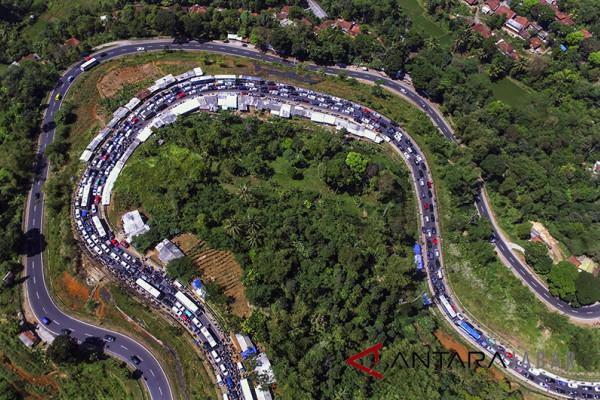 Jalur Garut menuju Bandung macet