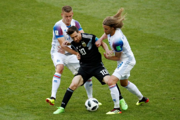 Islandia tahan Argentina 1-1