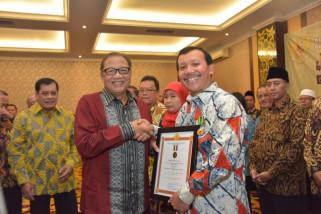 Sekda Jabar raih penghargaan Bakti Koperasi dan UKM 2018