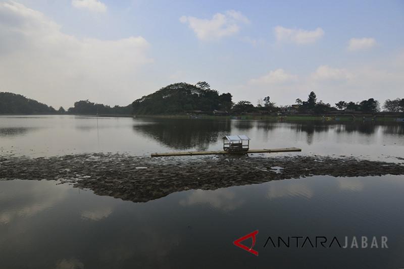 Setu Sedong di Cirebon mengering