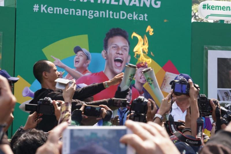 Warga Bandung antusias sambut obor Asian Games 2018
