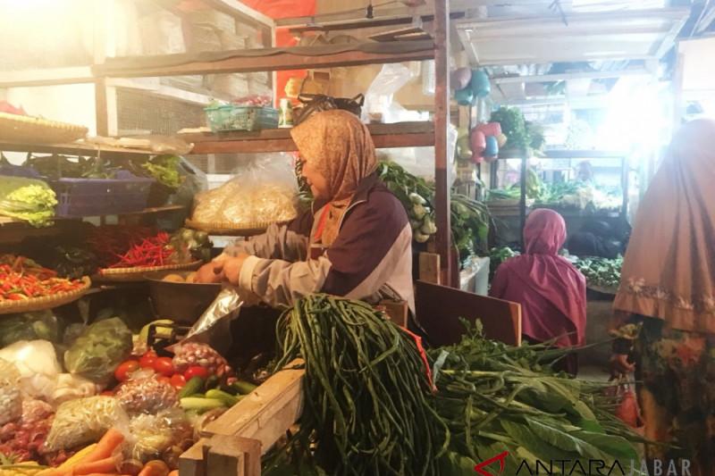 Harga kacang panjang di Bandung naik