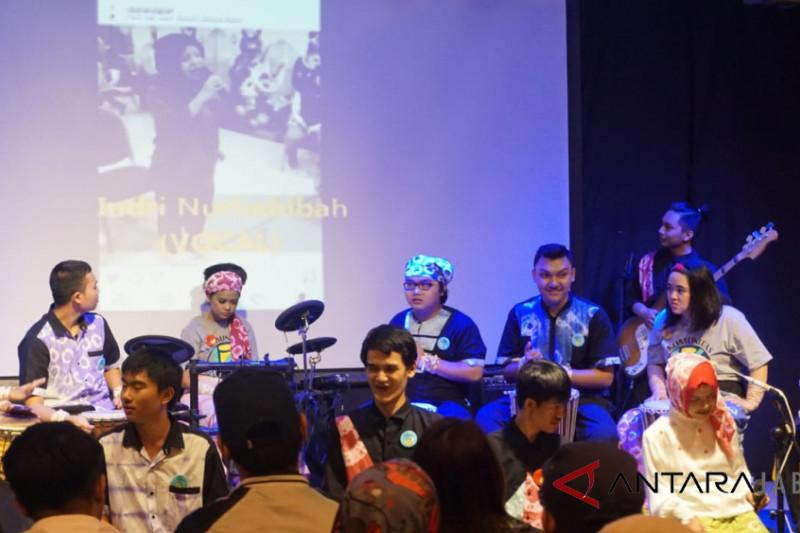 Konser anak-anak difabel sukses digelar di Bandung