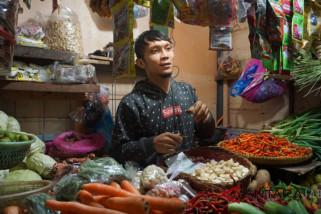 Harga kemiri di Bandung bertahan tinggi Rp60.000/kg