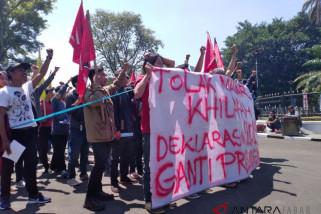 Mahasiswa jalan mundur tolak deklarasi gantipresiden2019