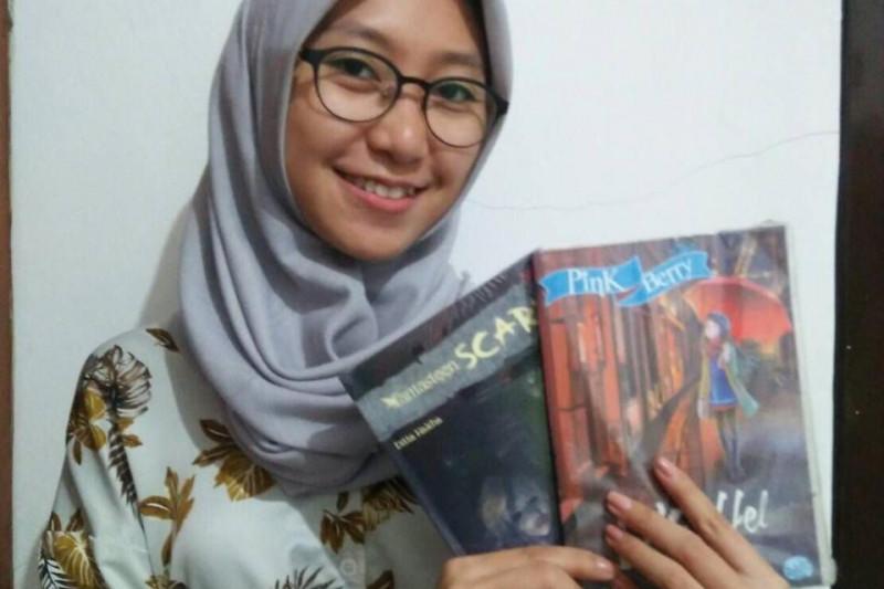 Ditta Hakha penulis muda dengan 12 buku