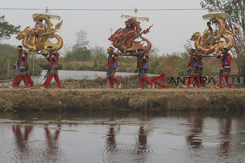 Tradisi Ngunjung Leluhur