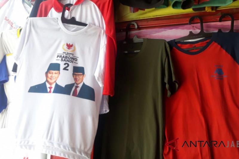Pemesanan atribut kampanye di Sentra Kaos Suci Bandung belum meningkat