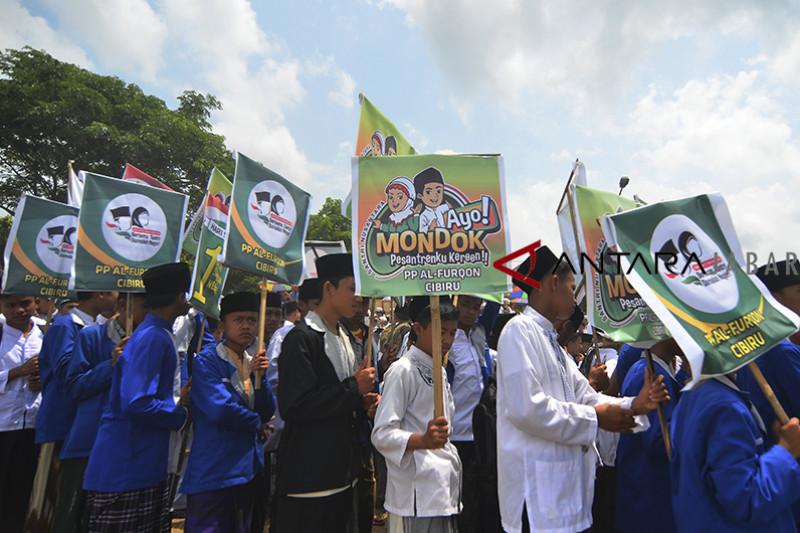 Pemkot Cirebon wajibkan pegawai berbaju muslim pada Hari Santri Nasional