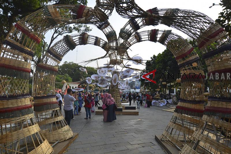 Pohon payung Geulis