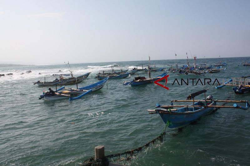 Nelayan pantai Jayanti berharap segera dibangun pelabuhan