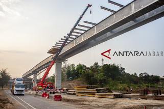 Pembangunan jalan tol layang Jakarta-Cikampek II