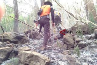 Titik api di Gunung Ciremai masih terjadi