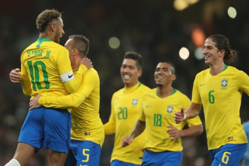 Brazil menang atas Uruguay berkat gol penalti Neymar