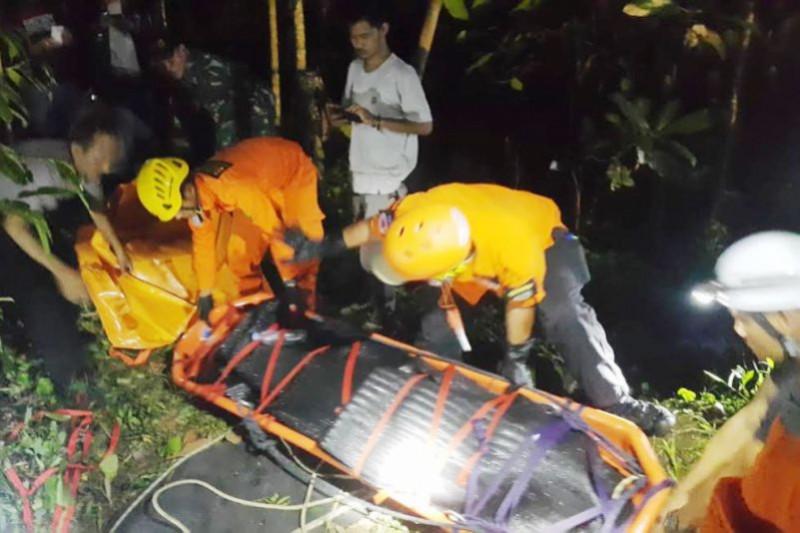 Seorang mahasiswa STTG tewas terjatuh di gua Batu Badak
