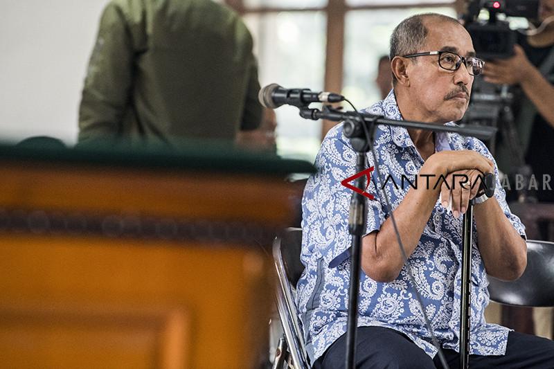Vonis korupsi suap Abu Bakar