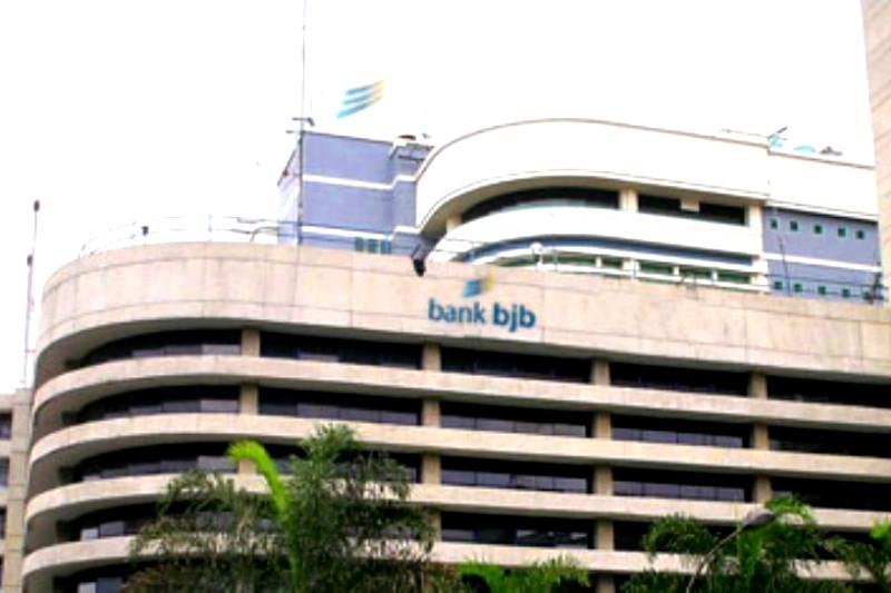 Gubernur Jabar minta Bank BJB atasi rentenir