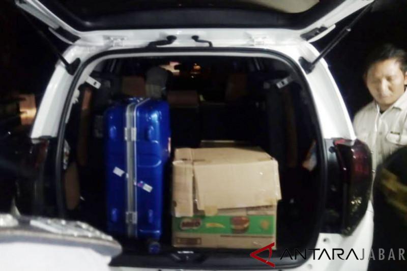 KPK periksa 7 staf Disdik Cianjur, bawa 4 dus dan 1 koper berkas