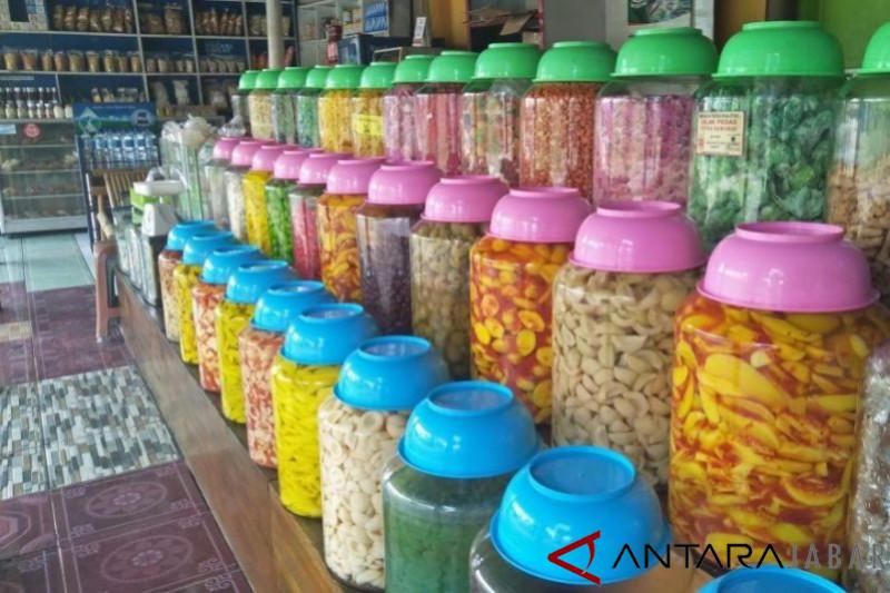 Produsen manisan dan asinan di Cianjur kebanjiran pesanan