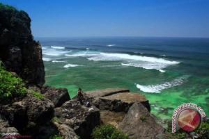 Tiga korban kecelakaan Pantai Gunung Kidul ditemukan