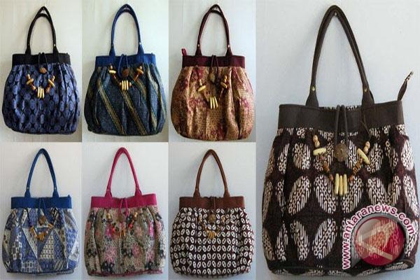 Berbagai jenis tas batik (Foto sissydante.wordpress.com)