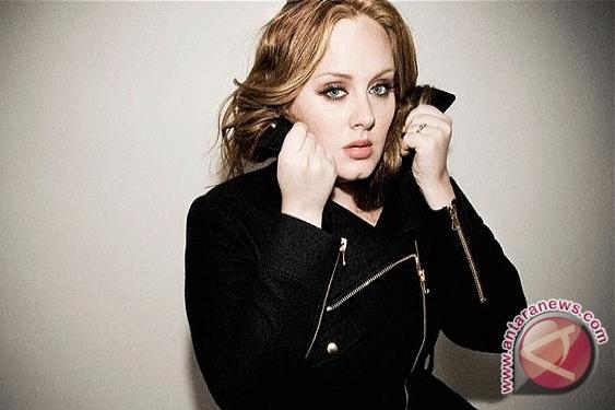 ... Adele berhasil mencatat rekor baru dalam tangga lagu. (FOTO Telegraph