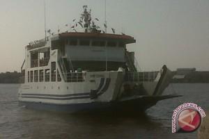 Feri Penyeberangan Sungai Sekura-Sambas Tambah Jam Pelayanan