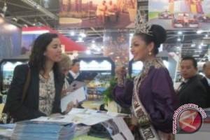 Putri Pariwisata Promosikan Keindahan Indonesia di London