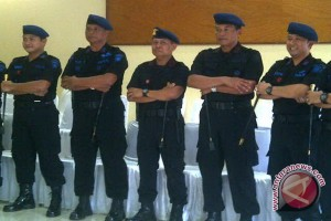Polda Kalbar Kerahkan Anggota Brimob Jaga Perbatasan