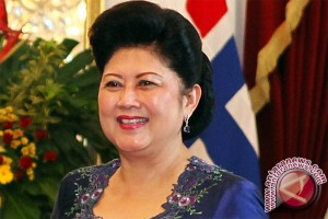 Ani Yudhoyono Terima Penghargaan pada Hari Ibu