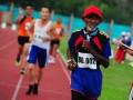 Sejumlah atlet veteran mengikuti lomba lari 5000 meter pada Kejuaraan Nasional Atletik Master di Stadion Sultan Syarief Abdurrahman Pontianak, Kalbar, Jumat (7/6). Kejuaraan Nasional Atletik Master yang diikuti atlet veteran nasiona
